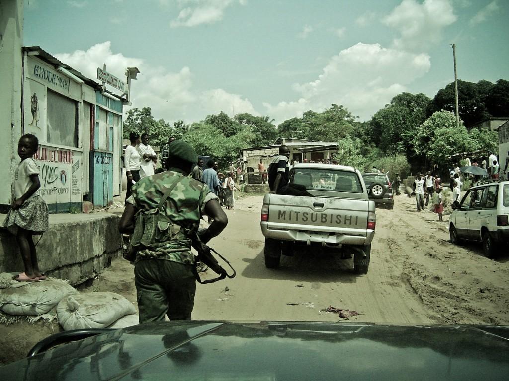 Le convoi de Jean-Pierre Bemba quitte le centre de Kinshasa