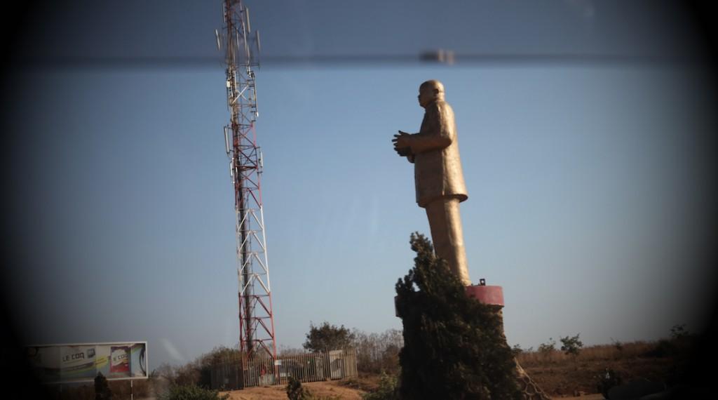 Statue Laurent Kabila Lubumbashi